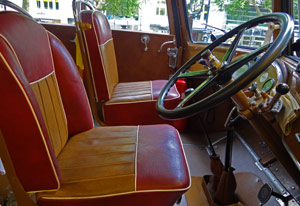oldtimerbus mieten in berlin saurer postbus von bex charter. Black Bedroom Furniture Sets. Home Design Ideas